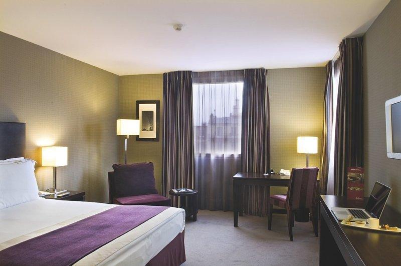 Radisson Blu Hotel Paris-Boulogne Zimmeransicht