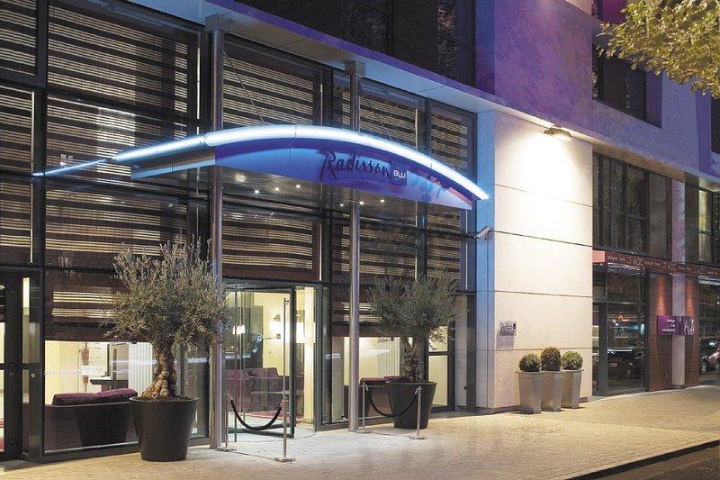 Radisson Blu Hotel Paris-Boulogne Außenansicht