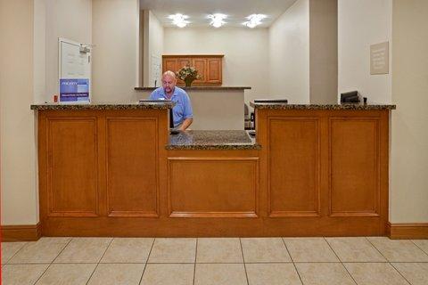 Candlewood Suites LONGVIEW - Front Desk