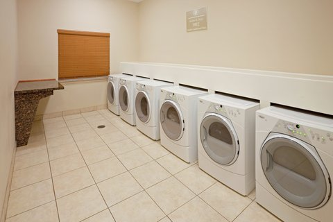 Candlewood Suites LONGVIEW - Free Laundry Facility