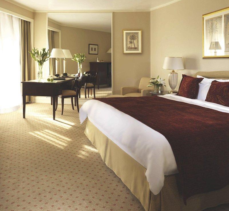 Radisson Blu Hotel, Dubai Deira Creek Вид в номере