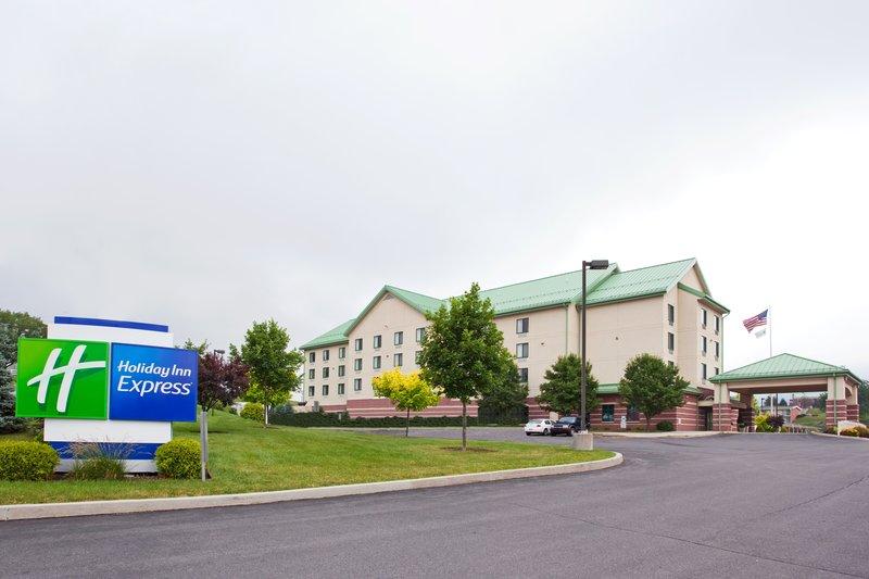 Holiday Inn Express BREEZEWOOD - Wood, PA