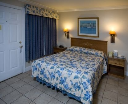 Sea Breeze Inn - Pacific Grove, CA