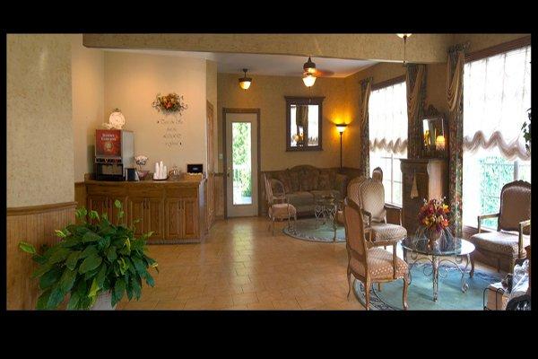 Honeysuckle Inn & Conference Center - Branson, MO