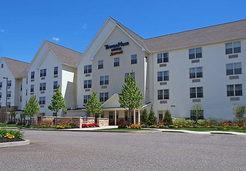 TownePlace Suites Republic Airport Long Island/Farmingdale - Exterior