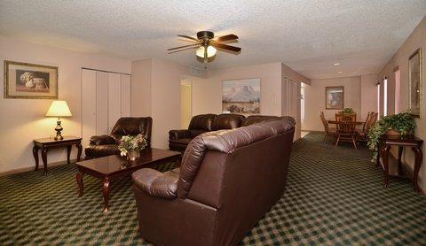 BEST WESTERN Pecos Inn - Living Area