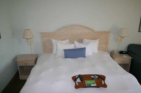 Hampton Inn Naples - I-75 Hotel - King Bed