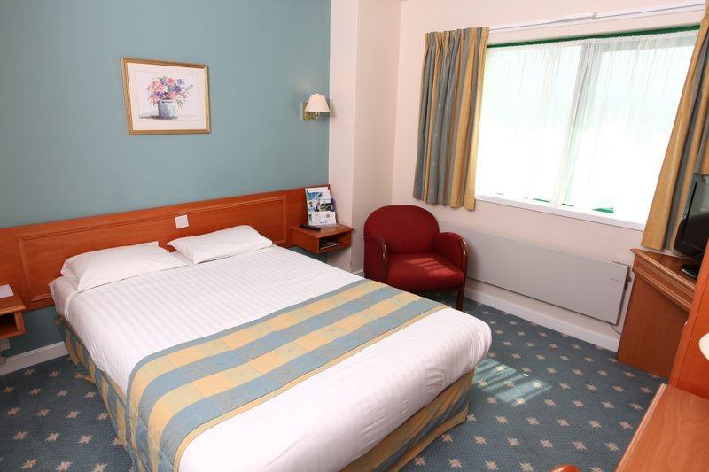 Holiday Inn Garden Court Wolverhampton Вид в номере