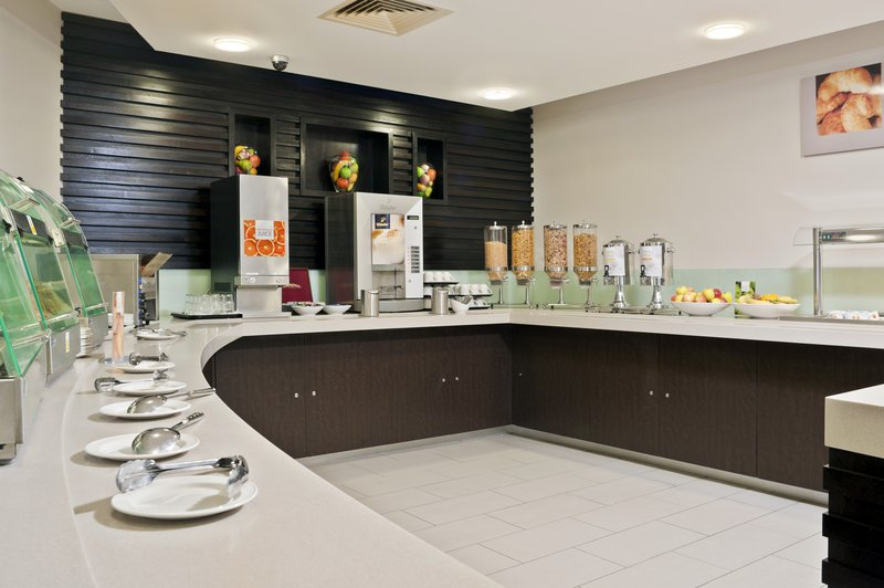 Holiday Inn Express Belfast-University Street Gastronomía