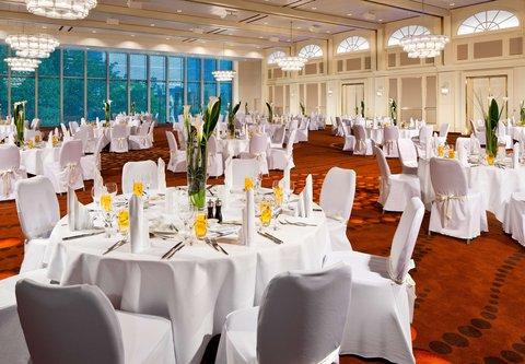 Frankfurt Marriott Hotel - Platinum Ballroom Gala Set Up