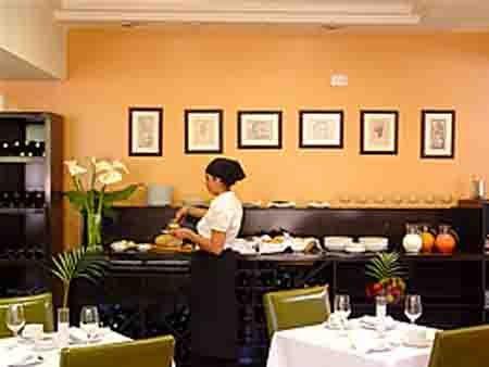 El Portal Suites Apart Hotel Gastronomy