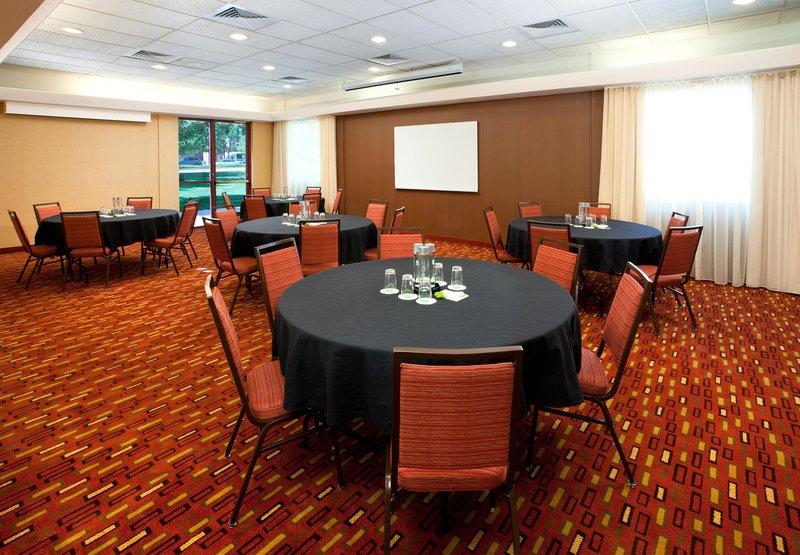 Courtyard Denver - Airport Konferenciaterem
