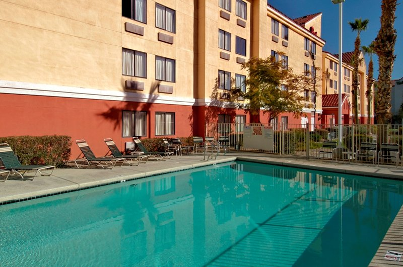 Red Roof PLUS+ Phoenix West - Phoenix, AZ