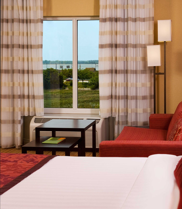 Courtyard by Marriott Charleston Waterfront - Charleston, SC