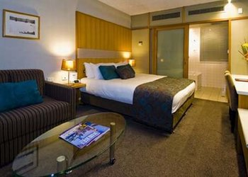 Quality Hotel Downtowner On Lygon - Room