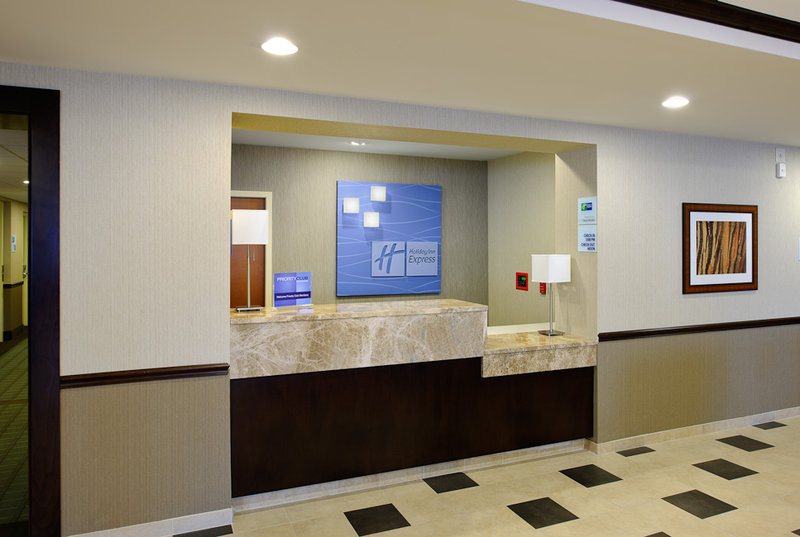 Holiday Inn Express PHILADELPHIA AIRPORT - Marcus Hook, PA
