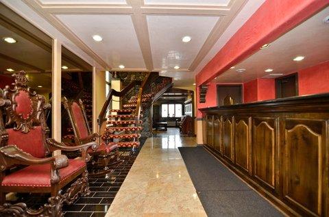 BEST WESTERN Cantebury Inn & Suites - Interior