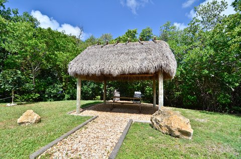 BEST WESTERN Key Ambassador Resort Inn - Picnic Area