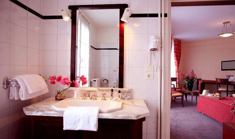 最佳西方莱斯旅行者酒店 - Guest Room Bathroom