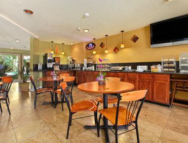 Santa Cruz Beach Inn - Breakfast Area