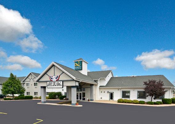 Quality Inn & Suites - Stoughton, WI