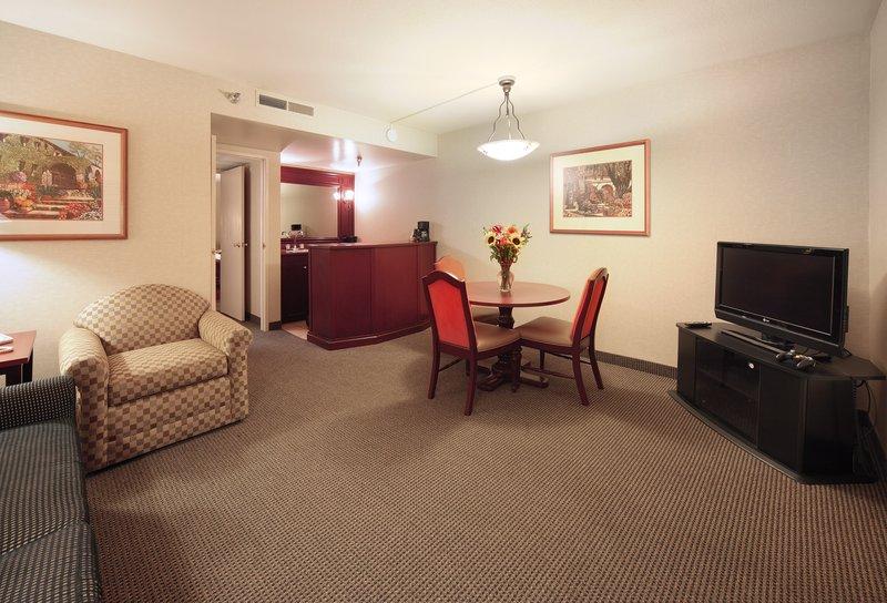 Car Rental Near The Embassy Suite Resort Scottsdale Az