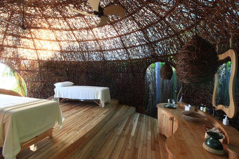 Six Senses Laamu - Spa Treatment Room
