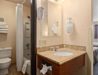 Super 8 Hotel - Bozeman, MT