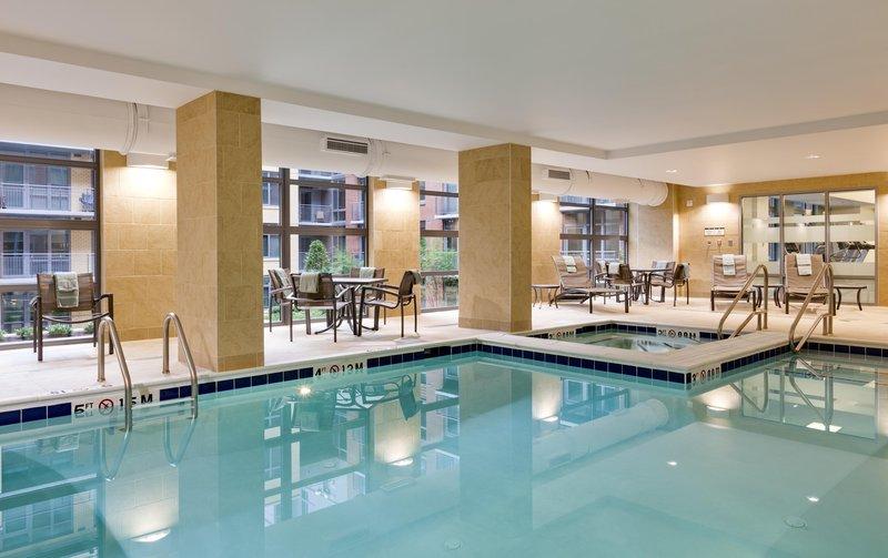 Hilton Garden Inn Washington DC/US Capitol プール