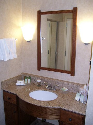 Homewood Suites by Hilton Bakersfield - Studio Suite Bath