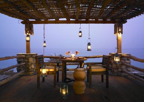 Six Senses Zighy Bay - Romantic Dinner
