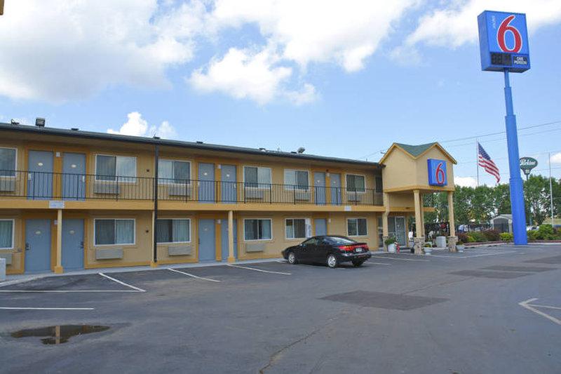 Super  Motel Oshkosh Wi