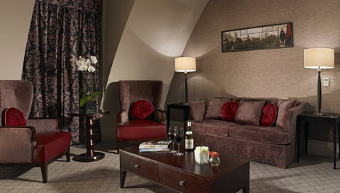 The Grosvenor, A Guoman Hotel - Palace Suite Living Room