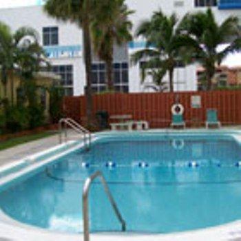 Sandy Shores Motel - Pool