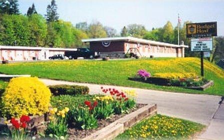 Budget Host-Crestview Inn - Sault Sainte Marie, MI