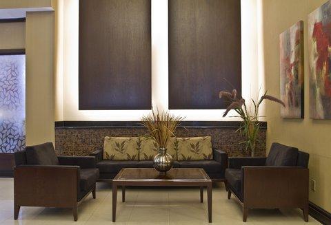 Hilton Charlotte Executive Park - Lobby Sitting Area