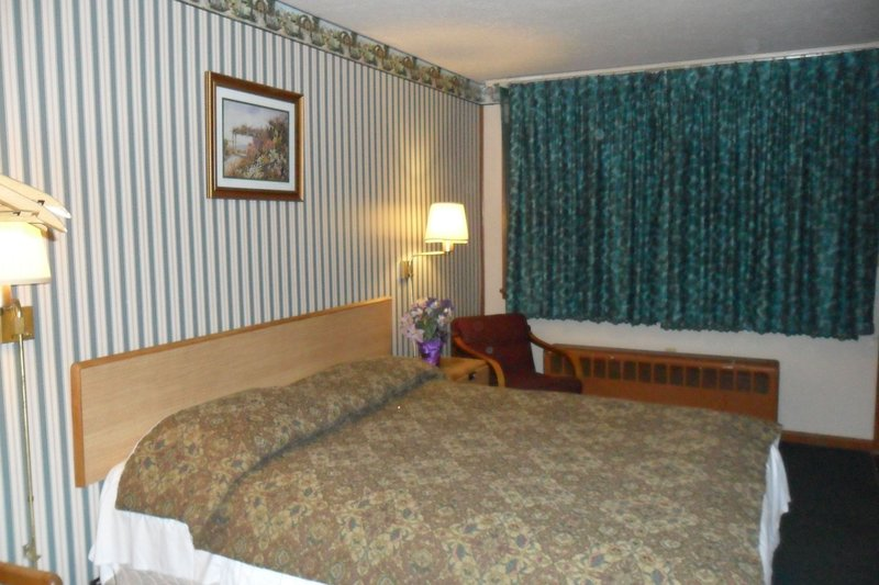 Rochester Motel - Rochester, IN