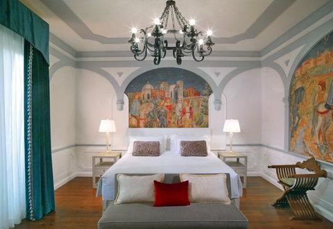 The St. Regis Florence - Premium Deluxe Florentine Style Guestroom