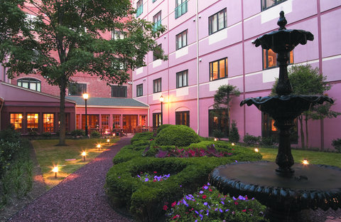 The Inn at Henderson's Wharf, an Ascend Hotel Collection Member - Courtyard