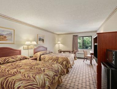 Super 8 Marysville/Port Huron Area - Standard Two Double Bedroom