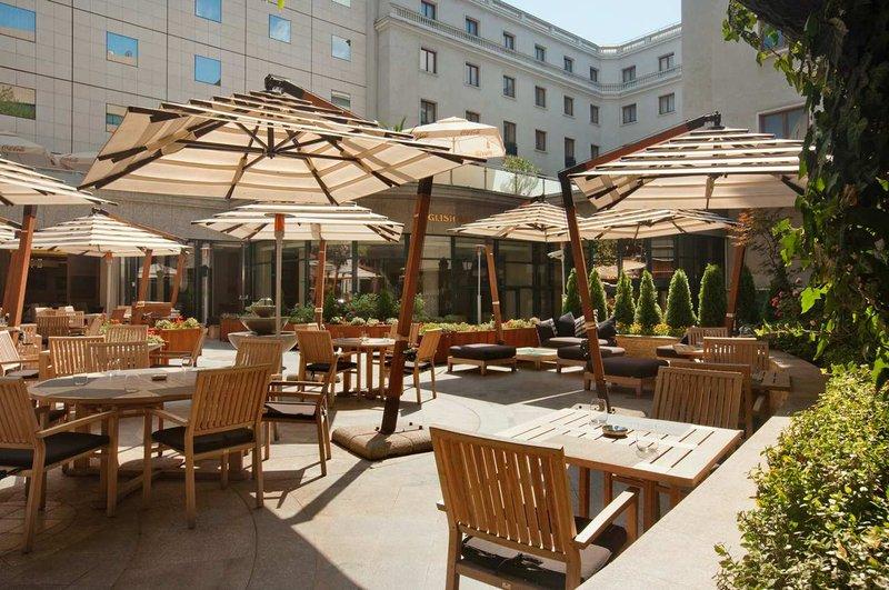 Athenee Palace Hilton Bucharest hotel Gastronomy