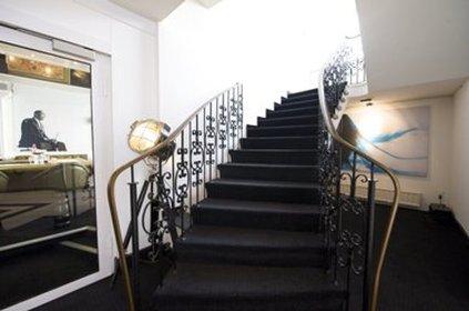 Grand City Brsenhotel Dsseldorf - DUELobby Stairs