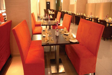 Lotus Grand Hotel Apartments - Dining