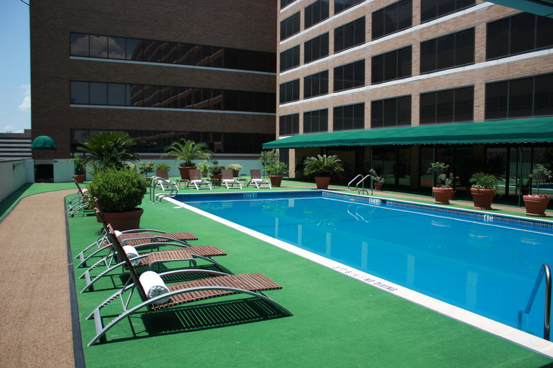 Hilton Houston Plaza/Medical Center Billede af pool