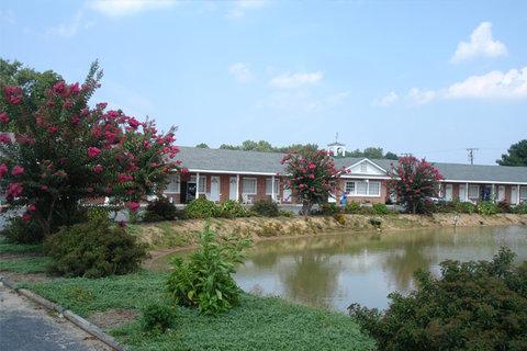 Washington and Lee Motel - Exterior