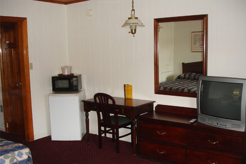 Washington and Lee Motel - Guest Room