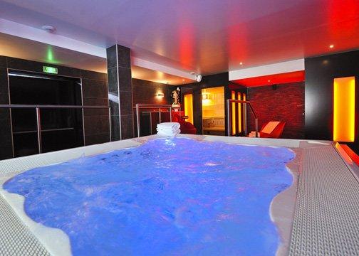 Comfort Hotel Strasbourg Athena Spa Poolansicht