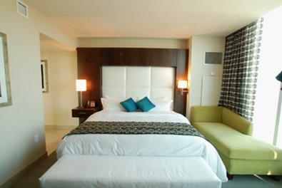 Greektown Casino Hotel - Corner King Bedroom