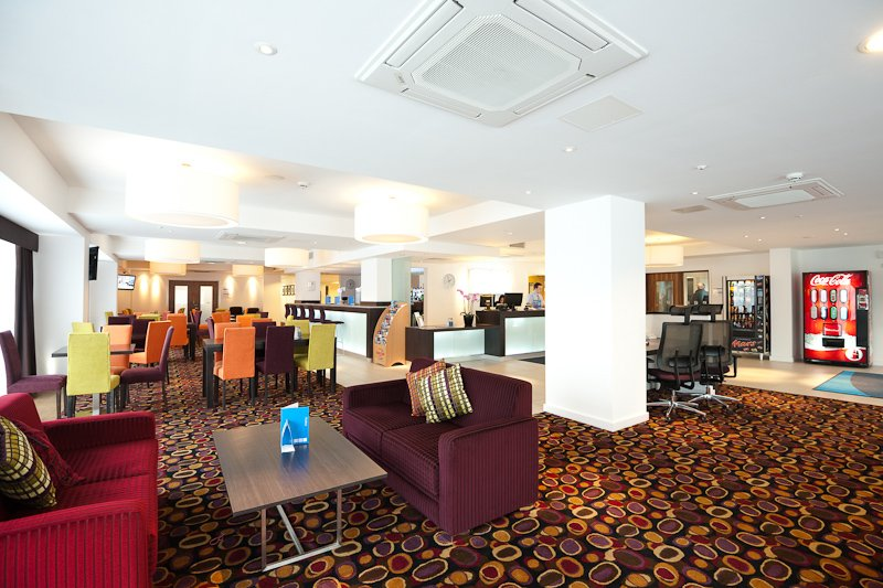 Holiday Inn Express Birmingham - South A45 Lobby