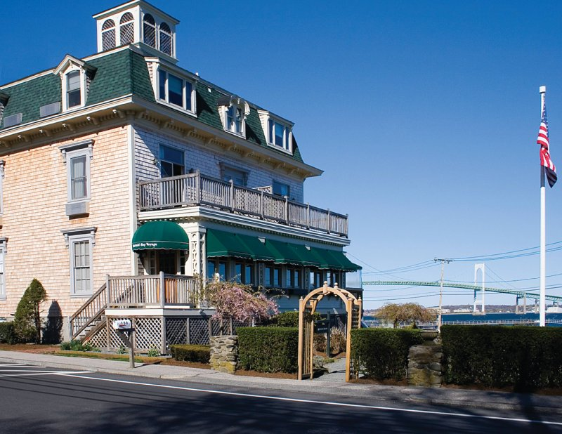 Wyndham-Bay Voyage Inn